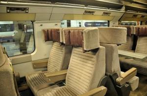 1_1381439892_interior